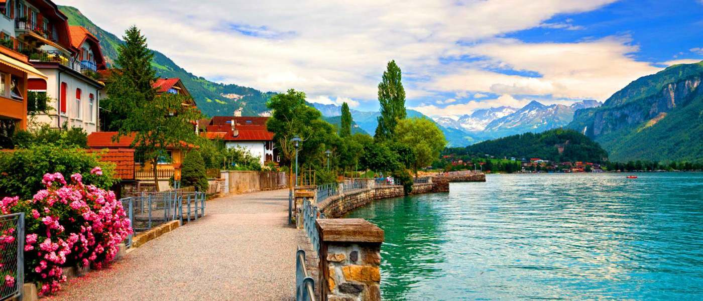 تور اروپا ۴شب لوگانو سوئیس از تهران (تاریخ حرکت:۷ و ۲۶ دی ماه ۹۷)