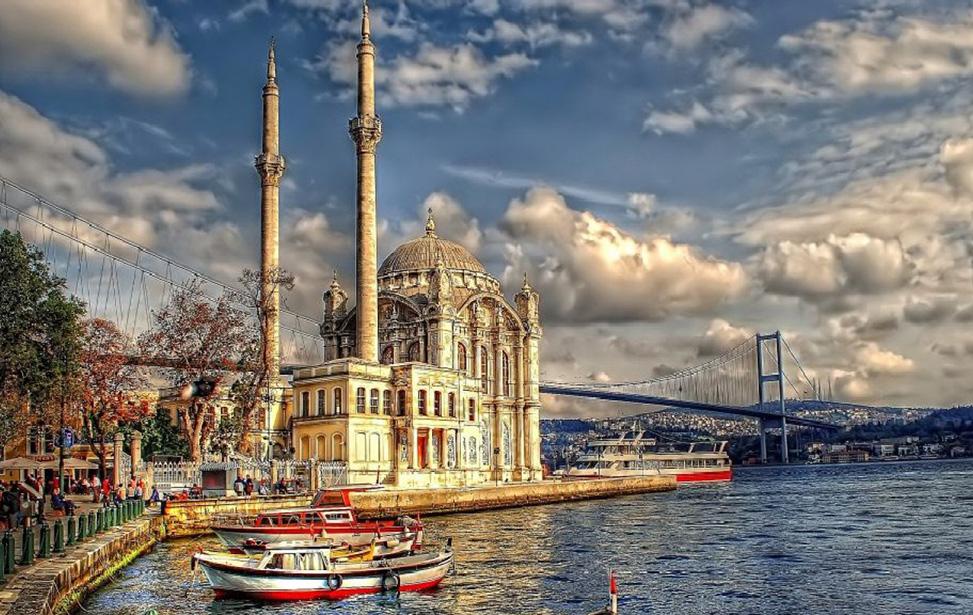 تور استانبول – 3 شب – پرواز ترکیش ( رفت هر روز هفته ) – از اصفهان