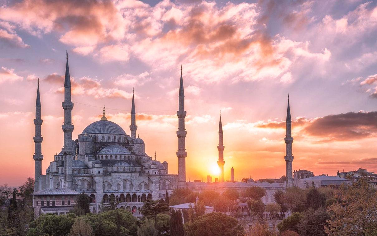 تور استانبول با پرواز مستقیم ترکیش از اصفهان ویژه تعطیلات بهمن 98